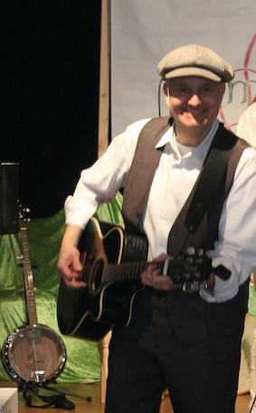 Andreas-an-der-Gitarre